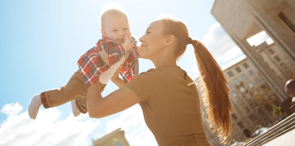 Miten pysyä työelämän kyydissä perhevapaalla?